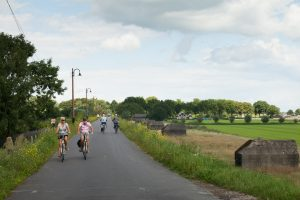 Cyclists on the Diefdijk